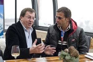 GF Jakob Falkner (Bergbahnen Sölden) im Gespräch mit Joe Margreiter (Tirol Werbung). Foto: promedia/Pichler