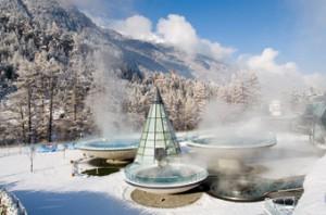 Skifahren und Thermengenuss im Aqua Dome - Tirol Therme Längenfeld.