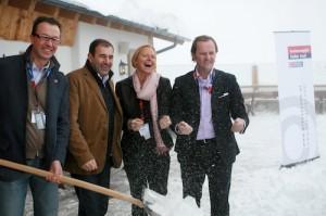 Lukas Scheiber, Boris Nemsic, Petra Stolba und Sepp Schellhorn konnten sich über Neuschnee auf der Hohen Mut freuen. Foto: promedia/Pichler