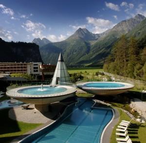 Am 21. Juni 2011 lädt der Aqua Dome in Längenfeld zum längsten Thermentag des Jahres.