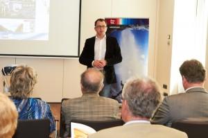 """Im Rahmen einer Pressekonferenz in Wien wurde das """"Live Help System"""" Medienvertretern vorgestellt."""