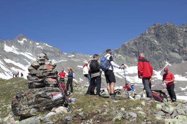 Die Wanderer wurden von der Bergrettung auf ihrem Weg bestens versorgt. Foto: Matthias Schöpf