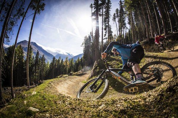 Seit diesem Sommer gibt's die neue Teäre Line für Mountainbiker in Sölden. Foto: Ötztal Tourismus / Sebastian Schlieck