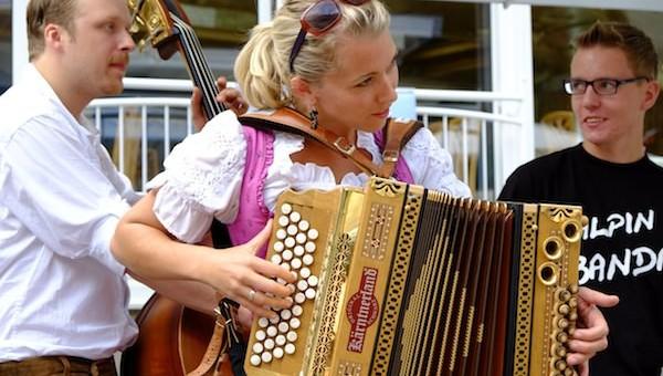 Dialekt-Musikfestival in Längenfeld